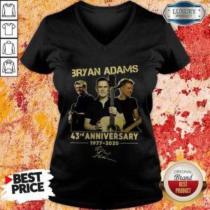 Bryan Adams 43rd Anniversary 1977 2020 Signature V-neck