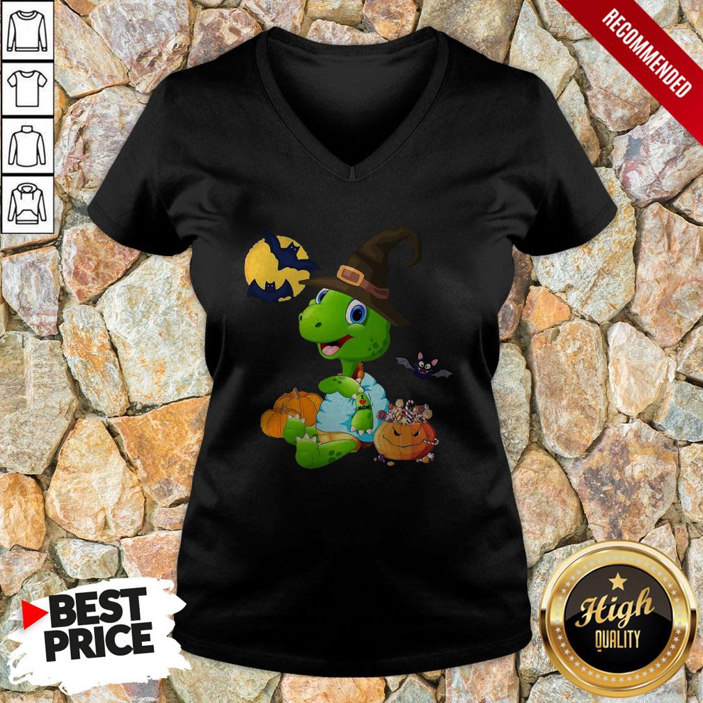 Turtle Witch Tattoo I Love Mom Halloween V-neck