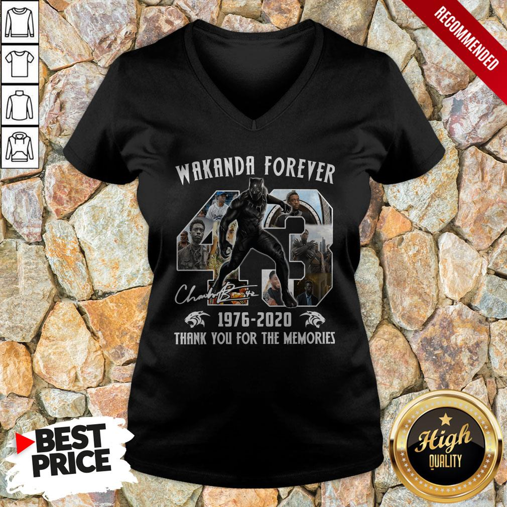 Wakanda Forever 1976-2020 Thank You For The MemoriesWakanda Forever 1976-2020 Thank You For The Memories 1Signature V-neck 1Signature V-neck