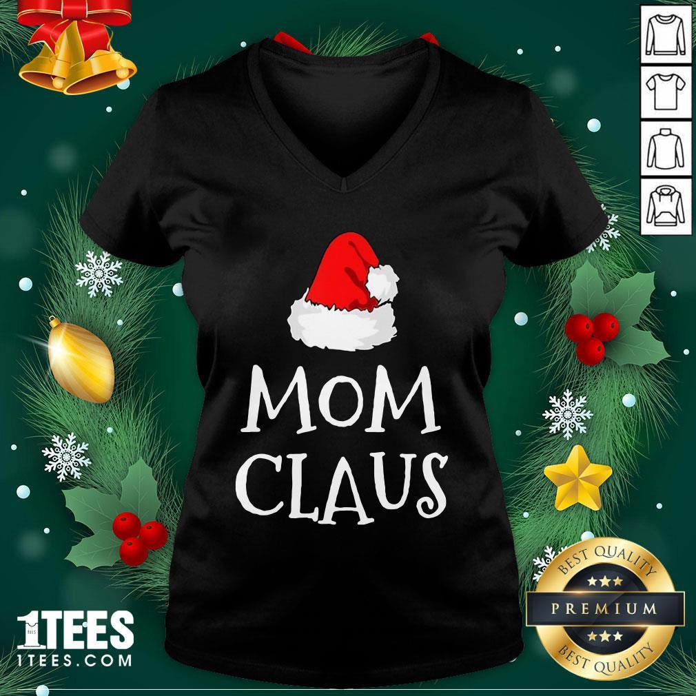 Hot Mom Claus Christmas Hat V-neck - Design By 1tee.com