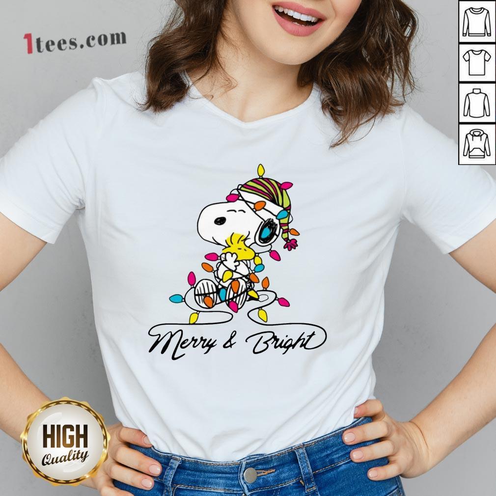 Pretty Snoopy Merry And Bright V-neck Design By T-shirtbear.com