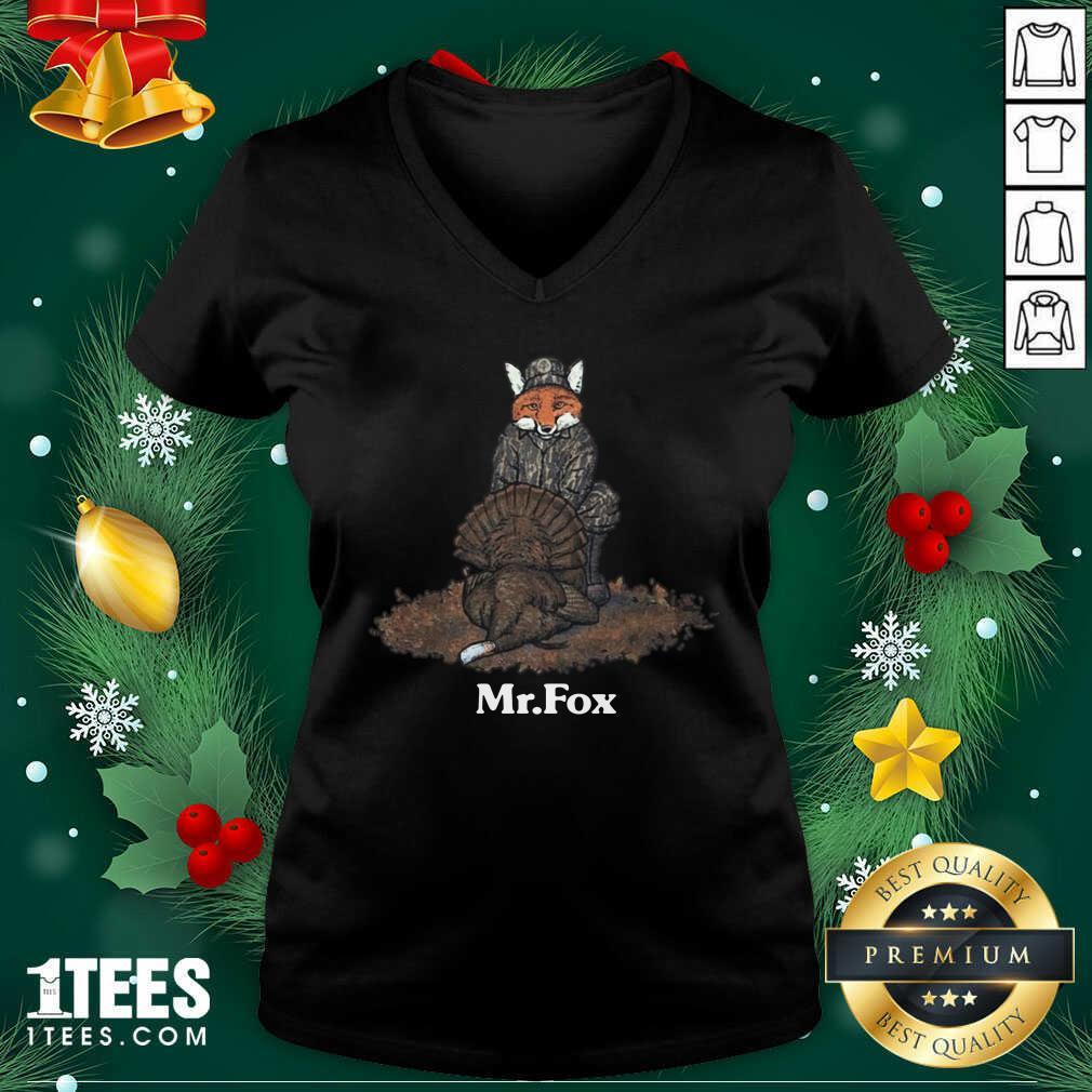 Mr Fox V-neck- Design By 1tees.com