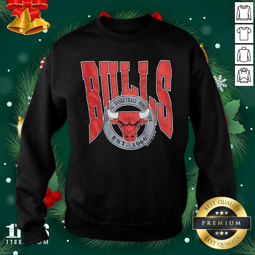 1990 Chicago Bulls Vintage Trench Basketball Est 1966 Sweatshirt- Design By 1Tees.com