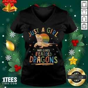 Just A Girl Who Loves Bearded Dragons V-neck- Design By 1tees.com