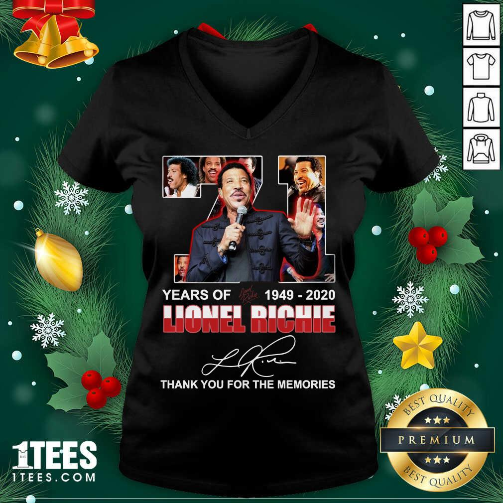 Lionel Richie 71 Years Of 1949 2020 Thank You For The Memories Signature V-neck- Design By 1Tees.com