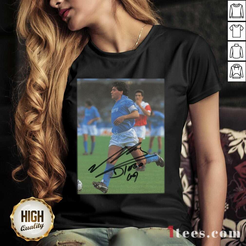 Rip Diego Maradona Legend Never Die Signature V-neck- Design By 1Tees.com